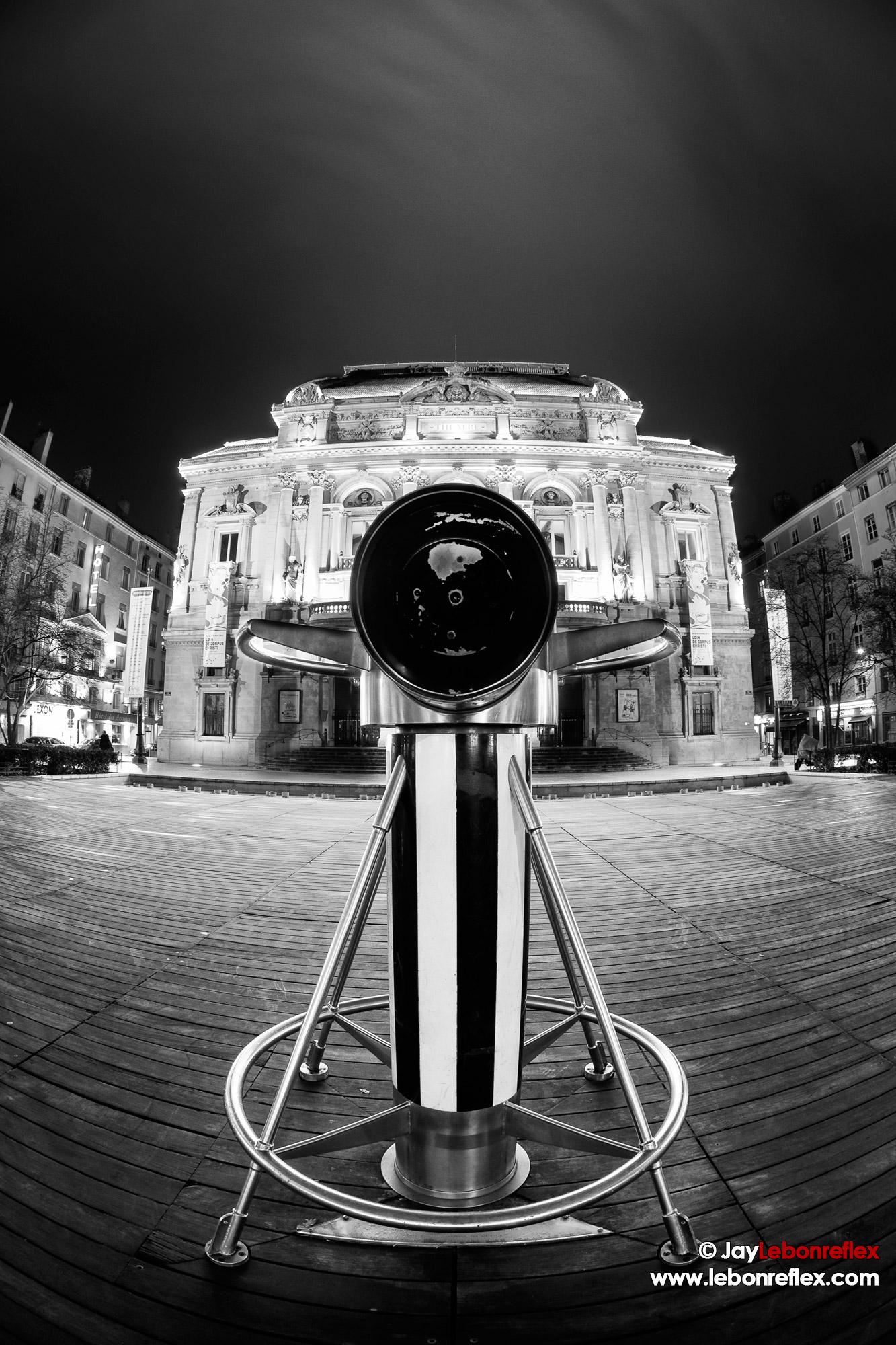 La Jumelle de Buren – Place de Celestins – Lyon