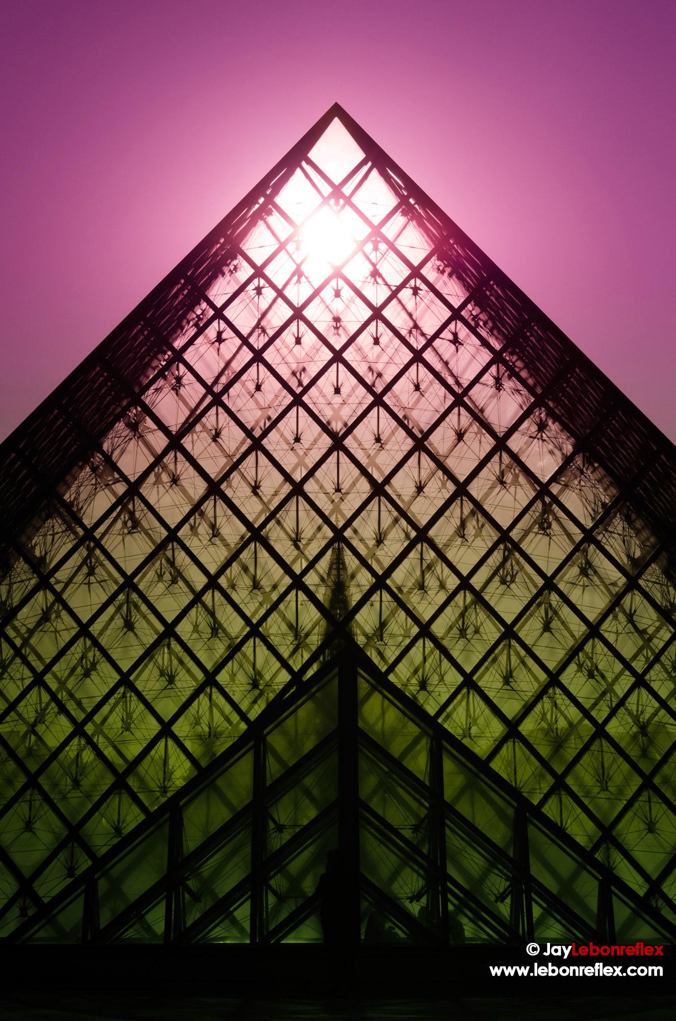 Pyramide du Louvre – Paris