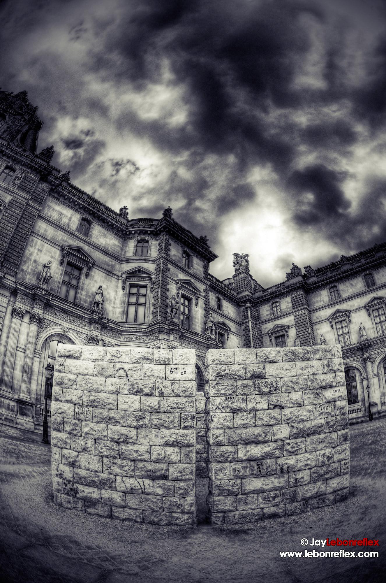 Cour du Louvre – Paris